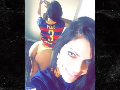 Soccer Star Pique -- Gets Hot Ass Message ... From Brazilian Beauty Queen (PHOTOS)