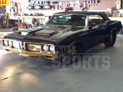 Cam Newton's Car -- ALL GOLD EVERYTHING ... Pimps Out '70 Oldsmobile (PHOTOS)