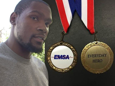 Kevin Durant -- Receiving Hero Award ... 'For Courageously Helping Paramedics'