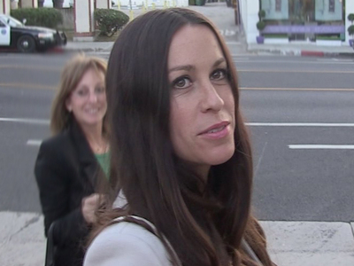 Alanis Morissette -- Sues Business Managers ... They Had One Hand In My Pocket