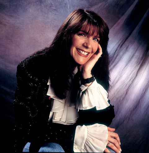 """Kathy Mattea shot to stardom in the late '80s when her songs like """"18 Wheels and a Dozen Roses"""", """"Love at the Five and Dime"""" and """"Goin' Gone"""" topped the country billboard charts."""