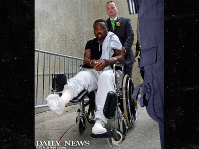 Rapper Troy Ave -- Accused Concert Shooter Wheeled into Court, Enters Plea (PHOTO)