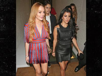 Lindsay Lohan -- Just Like Old Times with Kourtney Kardashian ... But We're Old(er) (PHOTO)