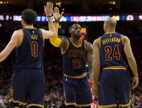 <p>The Cavs won Game 5 of the NBA Finals last night … but Kevin Love was left feeling like a loser. Love went for a high five with LeBron James but The L-Train didn't exactly return the favor, and Twitter let Love have it!</p> <p>Here's 13 times that Kevin Love actually wasn't left hanging by the King!</p>