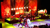 Meat Loaf -- Collapses Onstage Mid-Performance