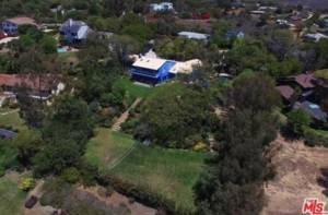 'Nip/Tuck' Actor -- Selling Mali-blue Pad for $4.4 Million