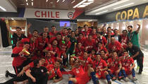 Team Chile -- LOCKER ROOM FIESTA ... After Copa America Victory! (PHOTOS + VIDEO)