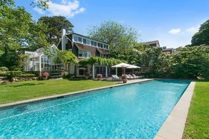 Christie Brinkley -- Buy My Paradise in The Hamptons ... For $30 Million!