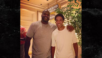 Scottie Pippen & Shaq -- The Beef Is Over ... NBA Legends Hug It Out in Vegas (PHOTO)