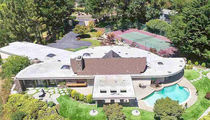 Joe Morgan -- Oakland Mansion for Sale ... Is that a Carpeted Bathtub? (PHOTO GALLERY)