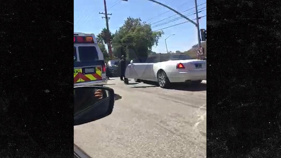 Kris Jenner -- Injured in Car Crash ... Possible Broken Wrist ...