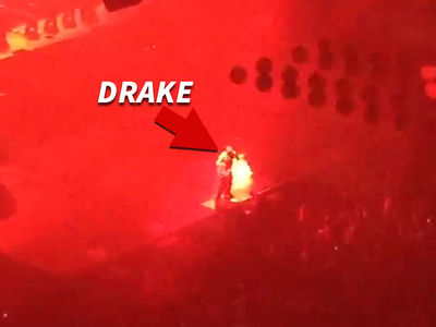 Drake -- Blows Up Meek Mill with 'Back to Back' ... in Philly!! (VIDEOS)