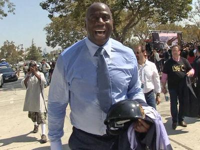 Magic Johnson -- I Hope Kobe's the Next 'Magic' ... 'Keep Doing Great Things' (VIDEO)