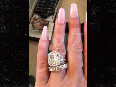 Kim Zolciak -- I Scored Double-Digit Karats! (PHOTO)
