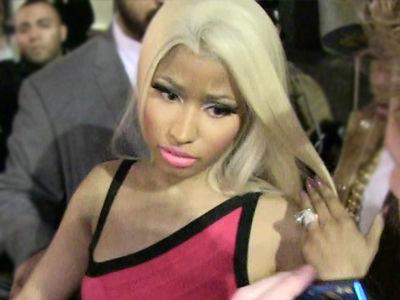 Nicki Minaj -- Screw a Bodyguard ... My Hairdresser's Got Me Covered!