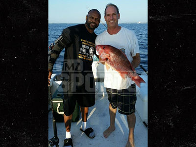 Roy Jones Jr. -- Gone Fishin' ... But I Ain't Done Boxing (PHOTO)
