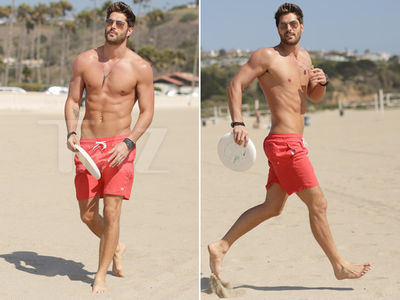 Nick Bateman -- Malibu's Golden Boy (PHOTO GALLERY)