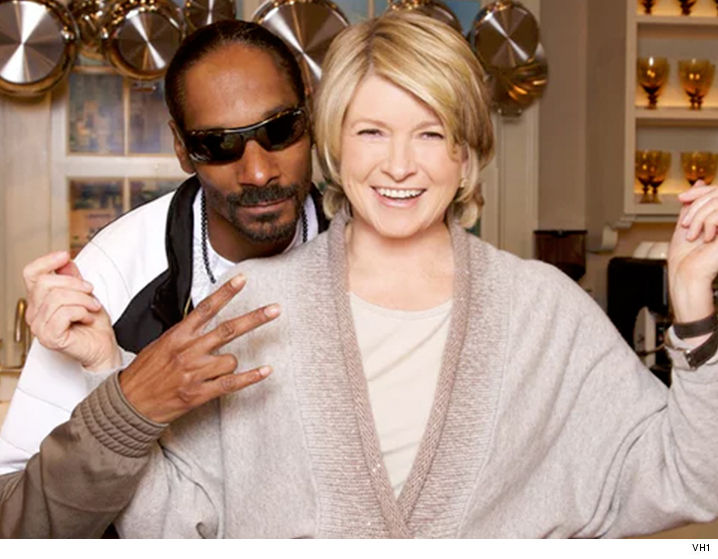 Martha Stewart I Ll Eat Edibles In The Name Of