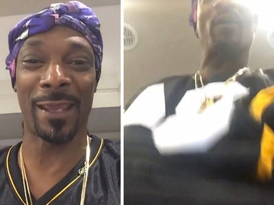 Snoop Dogg -- Recreates Antonio Brown's TD Dance ... Crotch Thrusts, Baby! (VIDEO)