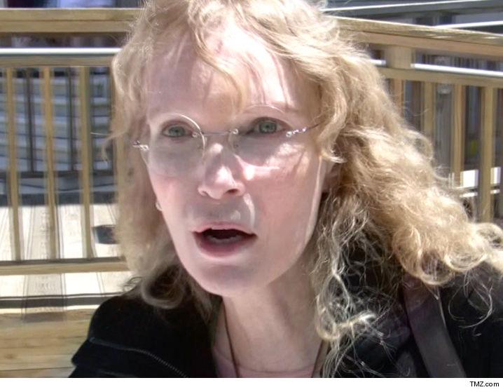 Mia Farrow's Son Dies ...