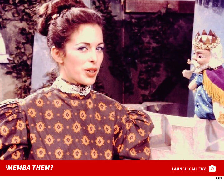view download images  Images Lady Aberlin on 'Mister Rogers' Neighborhood' ... 'Memba Her?! | TMZ.com