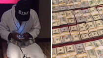 Floyd Mayweather -- Flaunts $1 Million In Cash ... After Kardashian Robbery