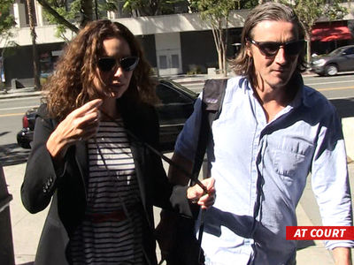 Minnie Driver's Neighbor War -- Would Be a Great Movie ... 'The Bitch & the Gentleman' (PHOTO + VIDEO)