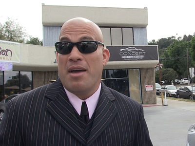 Tito Ortiz -- Hillary Clinton's a Criminal ... She Belongs In Jail (VIDEO)