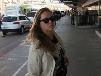 Ronda Rousey -- Mad Walking ... Determined for UFC 207 (VIDEO)