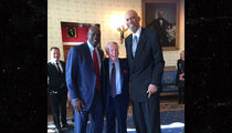 Vin Scully -- The Meat In a Jordan, Kareem Sandwich (PHOTO)
