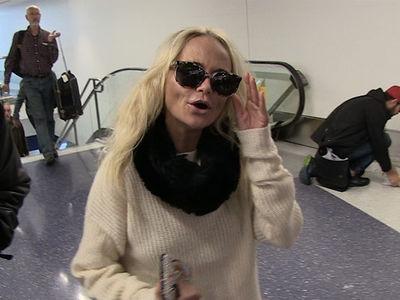 Kristin Chenoweth's Boobs Were Under Control During 'Hairspray Live' (VIDEO)