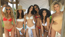 Hot Models Hang Out in Bahamas (PHOTO GALLERY)