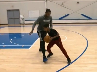 Carmelo Anthony Runs 1-On-1 Drills With 9-Year-Old Son On Knicks Court (VIDEO)