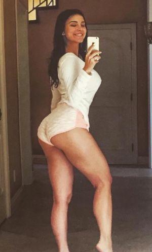 Mayra Veronica's Hot Shots