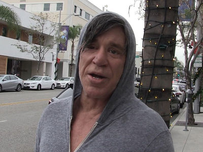 Mickey Rourke Gunning for a Boxing Comeback (VIDEO)