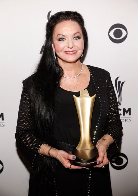 Crystal Gayle is now 66 years old.