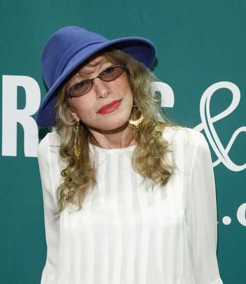 Carly Simon is now 71 years old.