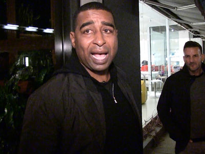 Cris Carter Warns Falcons Not To Troll Russell Wilson (VIDEO)