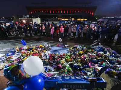 Yordano Ventura Tributes Pour In At KC Royals Stadium (PHOTOS)