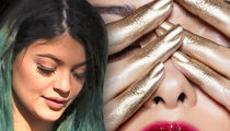 Kylie Jenner Gives Makeup Artist Something Better Than Money to Dodge Lawsuit (PHOTO)