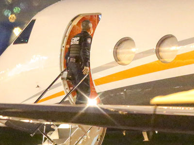 The Kardashians Can't Escape U.S. Customs After Costa Rica Trip (PHOTOS)