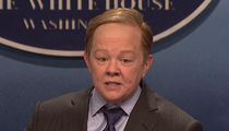 SNL's Most Hilarious Skit Ever as Melissa McCarthy Plays Sean Spicer (VIDEO)
