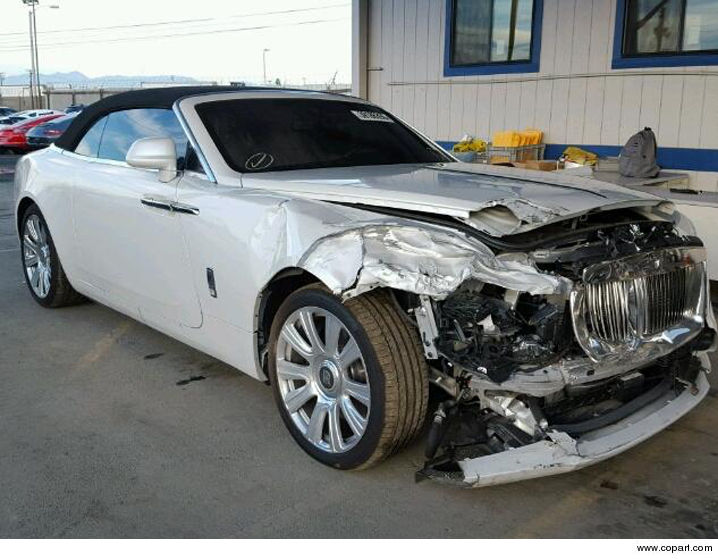Kris Jenner S Totaled Rolls Royce Up For Sale Tmz Com