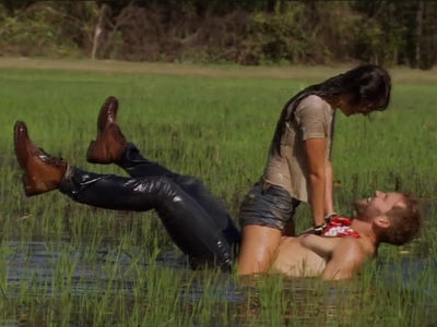'The Bachelor' Nick Viall Gets Dirty in the South with Raven (VIDEO)