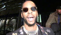2 Chainz Pimps Restaurant After Passing Inspection (VIDEO)