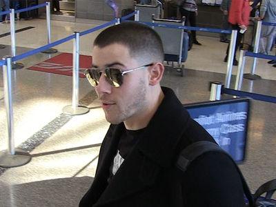 Nick Jonas Uses Bowling to Impress the Ladies (360 VIDEO)