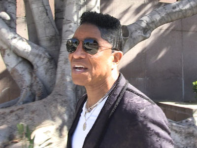 Jermaine Jackson Shows up in Court to Support Mother (VIDEO)
