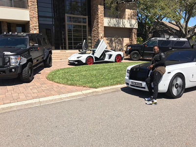 Aroldis Chapman ... Floyd Who? My Car Fleet Is Swagged Out Too!!! (VIDEO)