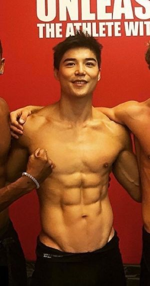 Ludi Lin's Shirtless Shots