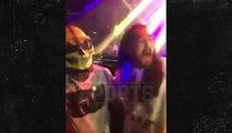 Ezekiel Elliott Pulls a Gronk ... Takes Over DJ Booth, Too (VIDEO)